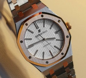 Audemars-Piguet-Royal-Oak-Two-Tone-15400SR-25 (1)